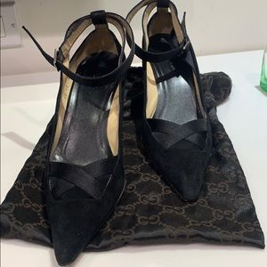 Gucci black pointy heel